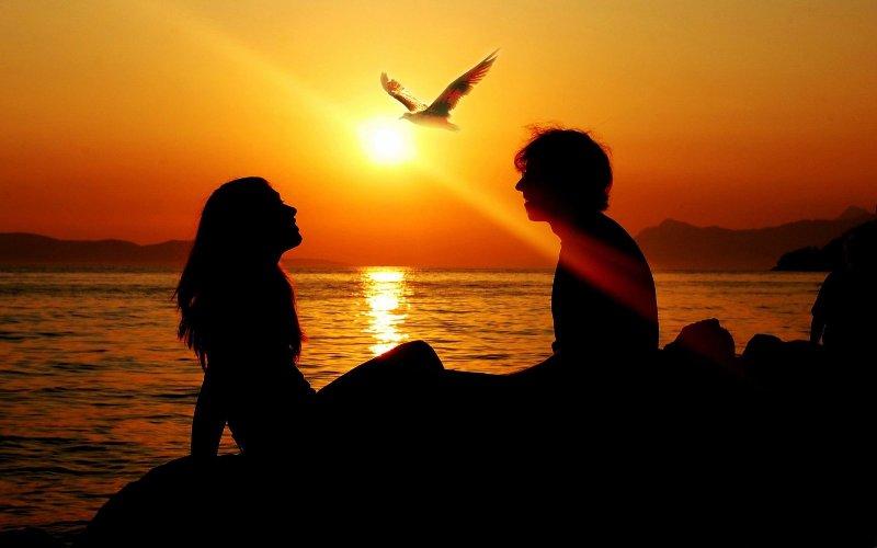 pareja-enamorada-atardecer - copia