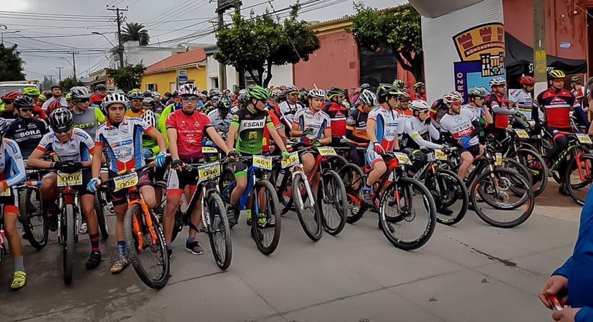 Masiva convocatoria en cicletada familiar en Nancagua con motivo del 85º aniversario de la PDI